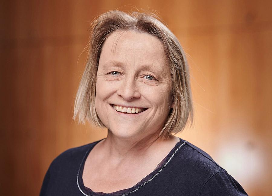Portraits Birgit Lusky ~ Erasmus Gymnasium Frankfurt ~ Trilinguale weiterführende Privatschule