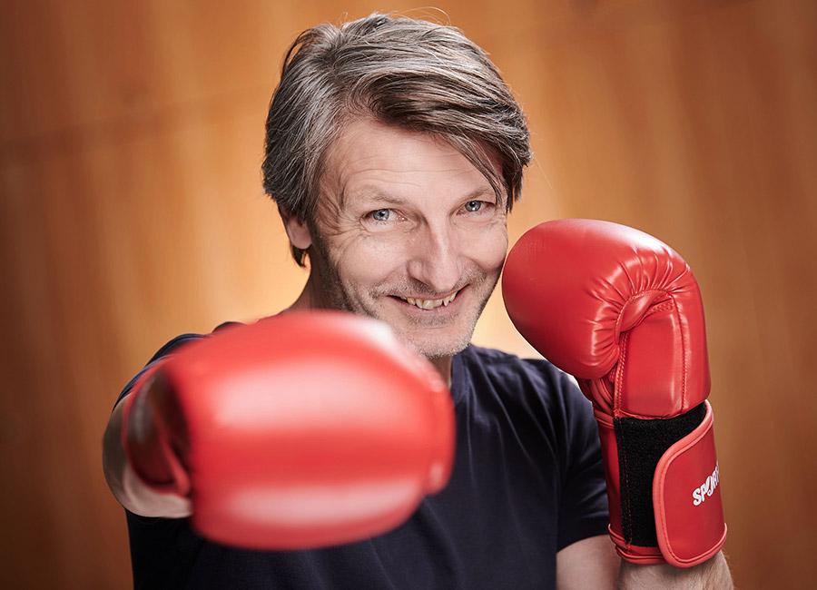 Portraits Ingo Bielefeld ~ Erasmus Gymnasium Frankfurt ~ Trilinguale weiterführende Privatschule