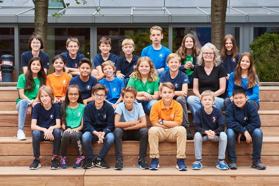 Erasmus-Frankfurter-Stadtschule-Schueler-Klassenfoto-2019-6a