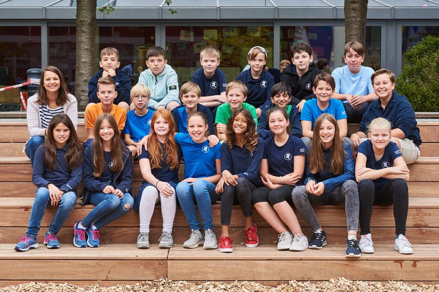 Erasmus-Frankfurter-Stadtschule-Schueler-Klassenfoto-2019-6b